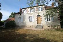 Vente maison - BELLENAVES (03330) - 180.0 m² - 10 pièces