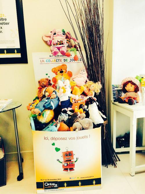 collecte de jouets century 21 france la chapele saint mesmin 45380 secours popualaire 2015
