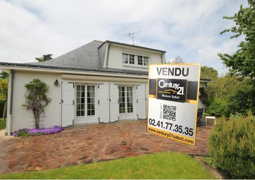 2 - Maison à la Croisette vendue 2.068 € / m² avec un terrain de 2.000 m² , Exclusivité vendue en un mois.