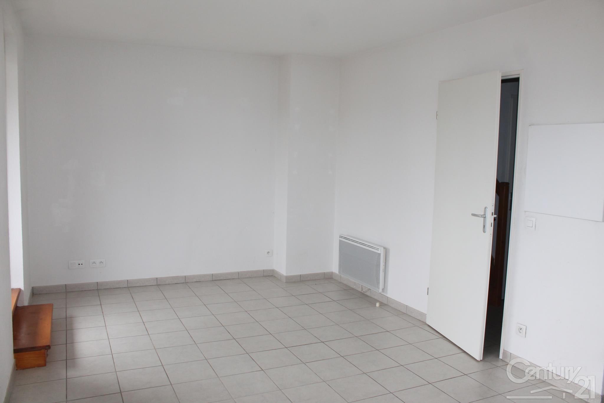 Appartement duplex à louer - 3 pièces - 52 m2 - SARLAT LA CANEDA - 24 - AQUITAINE