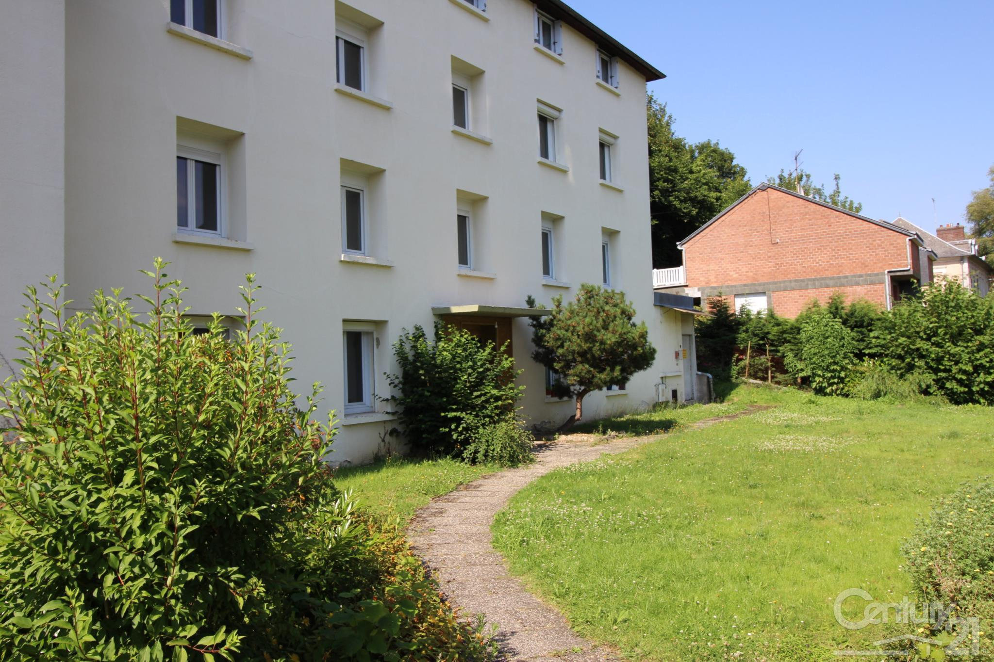 Appartement à louer - 2 pièces - 40 m2 - BOLBEC - 76 - HAUTE-NORMANDIE