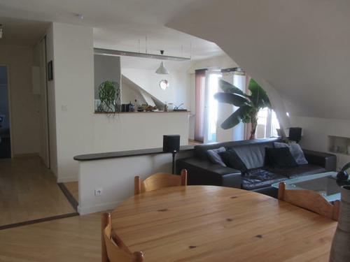 Appartement de 3 pièces en dernier étage à Procé vendu par votre agence Century 21 Talensac