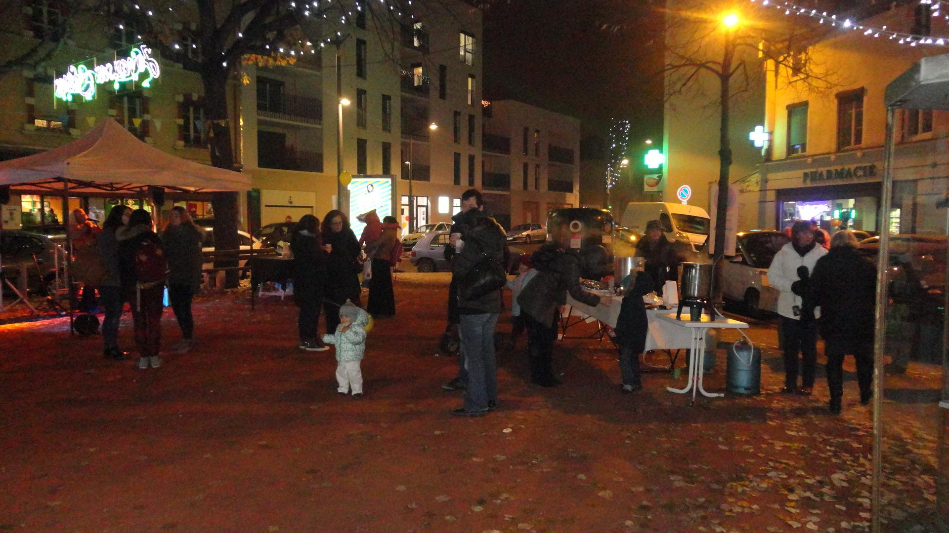 Place Henri à Montchat, le 13 décembre 2013