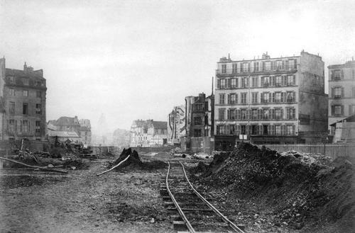 Avenue des Gobelins, au fond le dôme du Panthéon. Crédits photo: Les Archvies