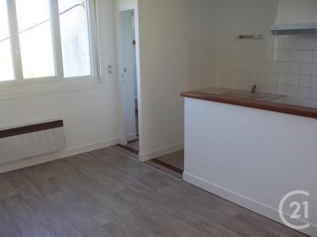 Appartement f3 à louer - 3 pièces - 40 m2 - ST SULPICE LE GUERETOIS - 23 - LIMOUSIN