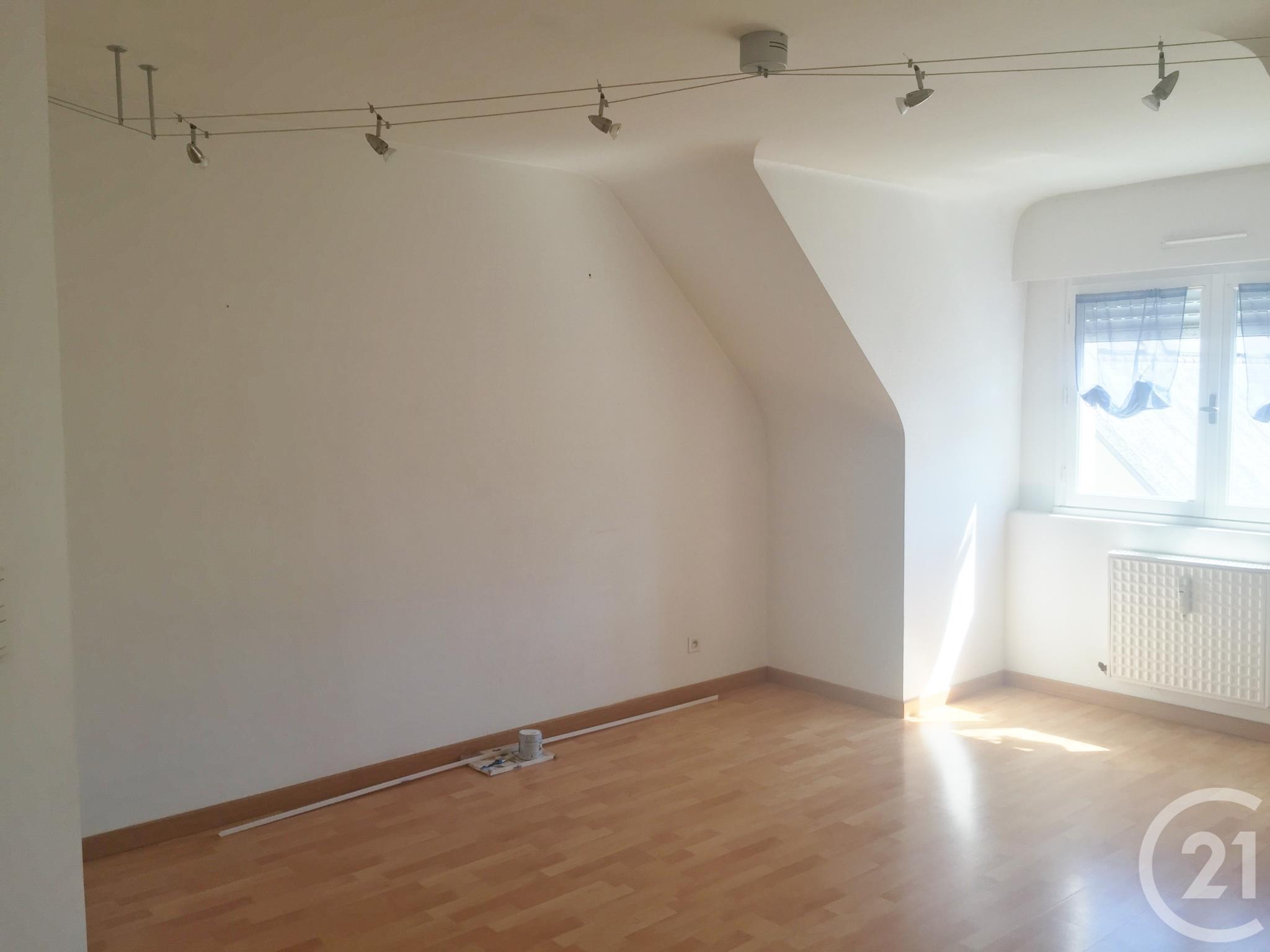 Appartement à louer - 2 pièces - 28 m2 - DINAN - 22 - BRETAGNE