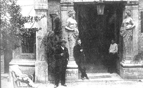 L'entrée de la Ruche en 1906