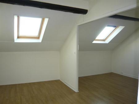 Appartement à louer - 2 pièces - 31 m2 - REIMS - 51 - CHAMPAGNE-ARDENNE