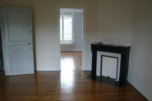 Appartement à louer - 2 pièces - 44 m2 - 51 - CHAMPAGNE-ARDENNE