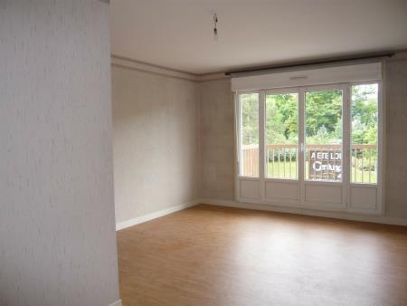 Appartement à louer - 1 pièce - 33 m2 - REIMS - 51 - CHAMPAGNE-ARDENNE