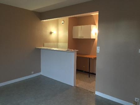 Appartement à louer - 1 pièce - 29 m2 - TROYES - 10 - CHAMPAGNE-ARDENNE