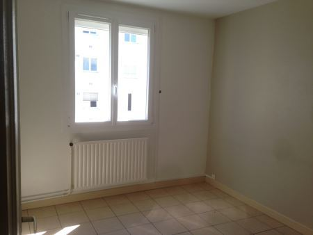 Appartement à louer - 3 pièces - 57 m2 - TROYES - 10 - CHAMPAGNE-ARDENNE