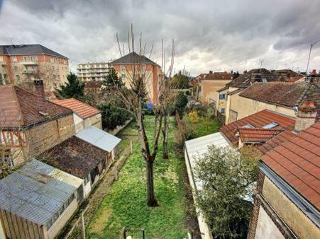 Appartement à louer - 2 pièces - 37 m2 - TROYES - 10 - CHAMPAGNE-ARDENNE