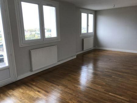 Appartement à louer - 3 pièces - 71 m2 - TROYES - 10 - CHAMPAGNE-ARDENNE