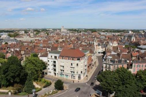 Appartement à louer - 5 pièces - 84 m2 - TROYES - 10 - CHAMPAGNE-ARDENNE
