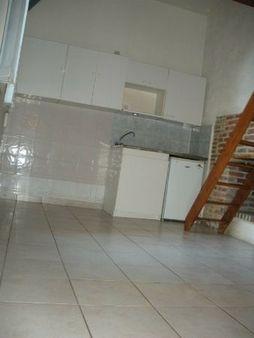 Appartement à louer - 2 pièces - 35 m2 - TROYES - 10 - CHAMPAGNE-ARDENNE