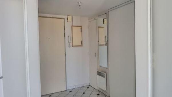 Appartement à louer - 1 pièce - 26 m2 - TROYES - 10 - CHAMPAGNE-ARDENNE