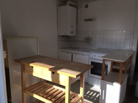 Appartement à louer - 2 pièces - 40 m2 - TROYES - 10 - CHAMPAGNE-ARDENNE