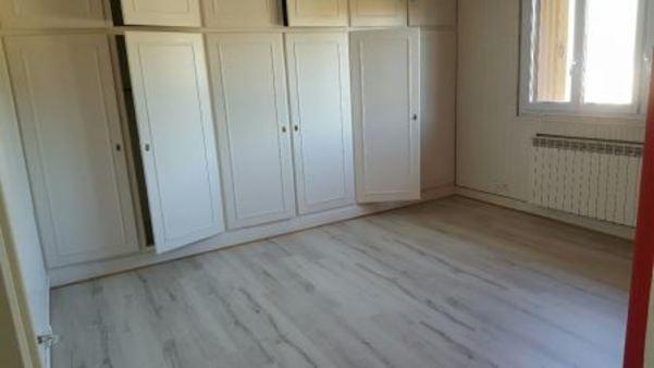Appartement à louer - 5 pièces - 140 m2 - LA CHAPELLE ST LUC - 10 - CHAMPAGNE-ARDENNE