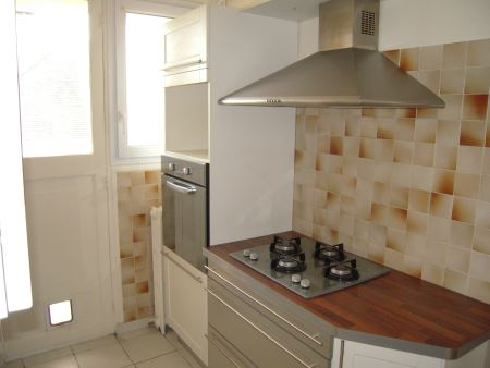 Appartement à louer - 3 pièces - 78 m2 - TROYES - 10 - CHAMPAGNE-ARDENNE