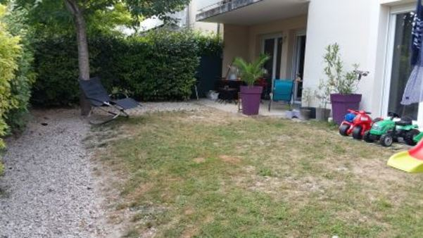 Appartement à louer - 4 pièces - 95 m2 - LA CHAPELLE ST LUC - 10 - CHAMPAGNE-ARDENNE