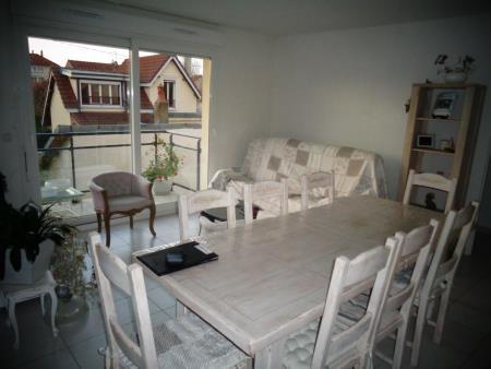 Appartement à louer - 3 pièces - 76 m2 - STE SAVINE - 10 - CHAMPAGNE-ARDENNE