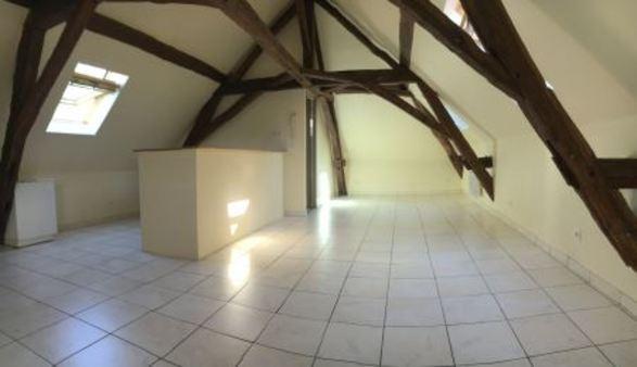 Appartement à louer - 1 pièce - 28 m2 - SENS - 89 - BOURGOGNE