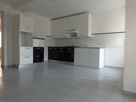 Appartement à louer - 3 pièces - 76 m2 - GRON - 89 - BOURGOGNE