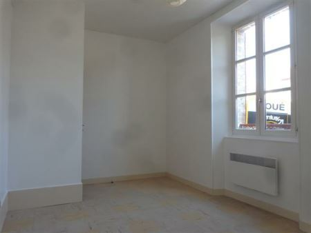 Appartement à louer - 2 pièces - 50 m2 - SENS - 89 - BOURGOGNE