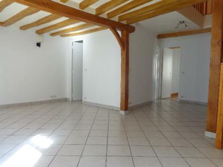 Appartement à louer - 3 pièces - 80 m2 - SENS - 89 - BOURGOGNE