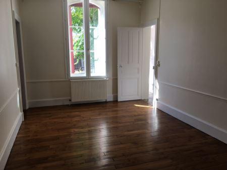 Appartement à louer - 6 pièces - 145 m2 - TROYES - 10 - CHAMPAGNE-ARDENNE