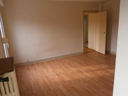 Appartement à louer - 3 pièces - 71 m2 - PROVINS - 77 - ILE-DE-FRANCE