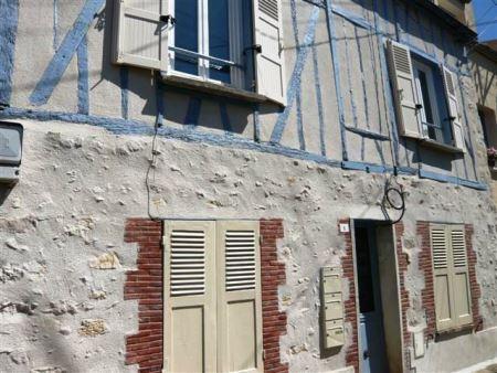 Appartement à louer - 1 pièce - 14 m2 - PROVINS - 77 - ILE-DE-FRANCE