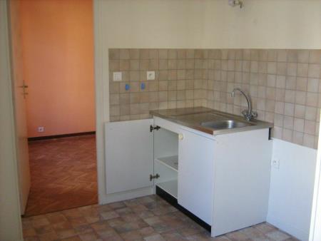Appartement à louer - 2 pièces - 41 m2 - PROVINS - 77 - ILE-DE-FRANCE