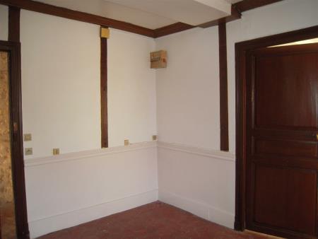Appartement à louer - 2 pièces - 30 m2 - SAVINS - 77 - ILE-DE-FRANCE