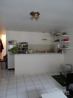 Appartement f3 à louer - 3 pièces - 49 m2 - MOULINS - 03 - AUVERGNE