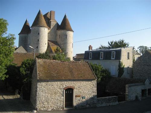 chateau-nemours